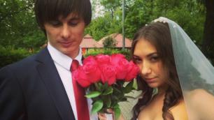 Конькобежец Роман Креч сыграл свадьбу