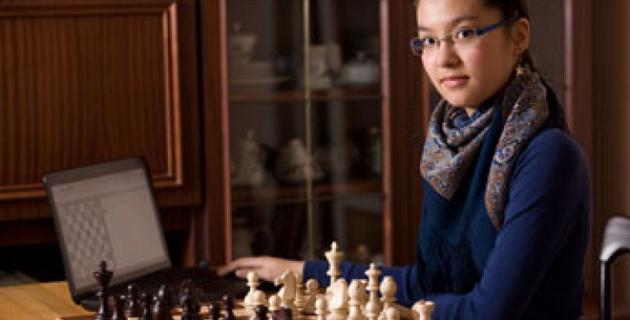 Казахстанская шахматистка Садуакасова выиграла молодежный чемпионат мира в ЮАР