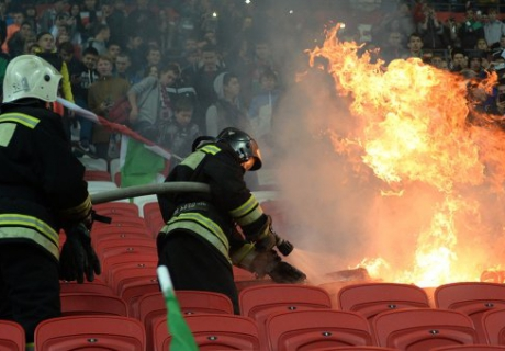 """""""Рубин"""" оштрафовали за устроенный болельщиками на трибунах пожар"""