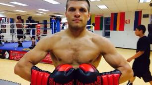 Сергей Деревянченко одержал вторую победу на профессиональном ринге
