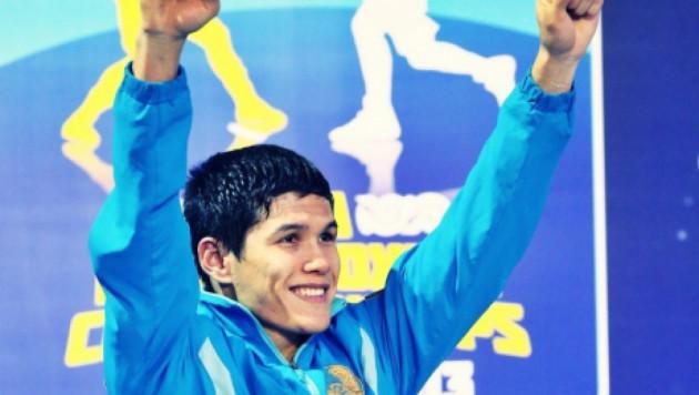 Елеусинов второй год подряд признан лучшим боксером года