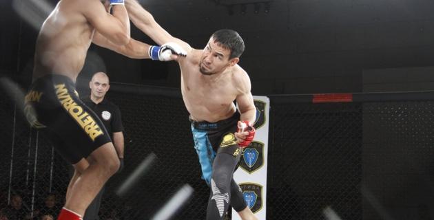 Тлауов одержал победу над бразильским бойцом удушающим приемом на турнире в Алматы