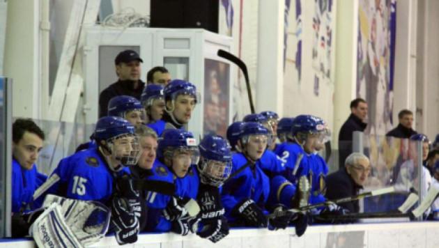 """Тренеры казахстанской """"молодежки"""" по хоккею задействуют весь состав в матче с Латвией"""