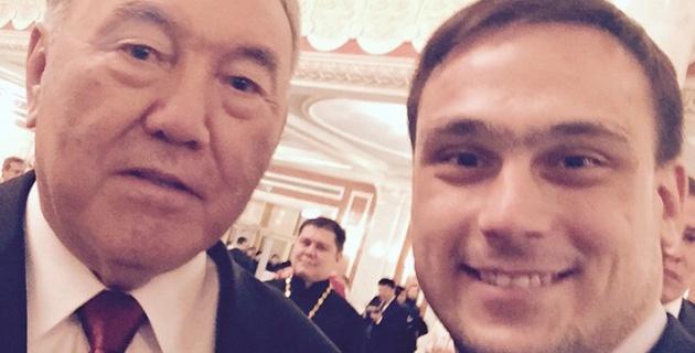 """Илья Ильин сделал """"селфи года"""" с Нурсултаном Назарбаевым"""
