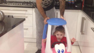 В Англии футболист обратился в полицию из-за угроз в адрес его двухлетней дочери