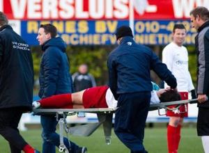 В Голландии арбитр сломал нос футболисту во время матча