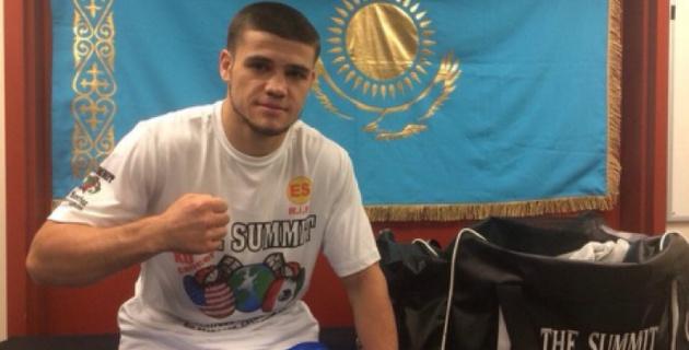 Казахстанский боксер Мадиев отправил соперника в нокаут в первом раунде