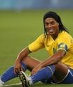Роналдиньо должен перейти к нам летом - президент ангольского клуба