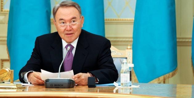 Назарбаев поздравил Головкина с победой над Мюреем