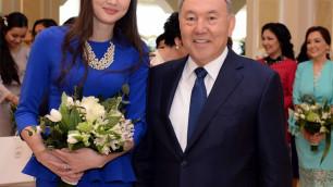 Назарбаев посоветовал Алтынбековой аккуратно относиться к мужской похвале