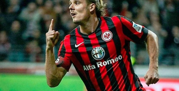 Лучший бомбардир бундеслиги выбыл до конца сезона