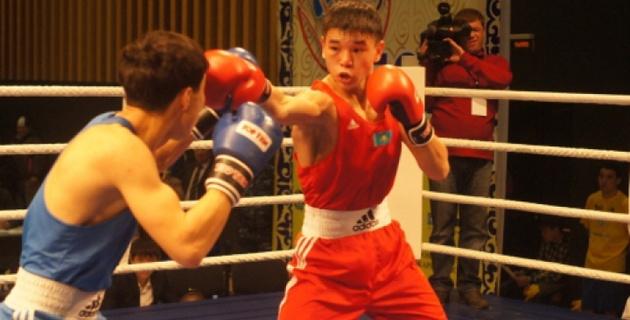 Четверо казахстанских боксеров стартовали с побед на турнире в Минске