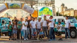 В Актау финишировал первый казахстанский ралли-рейд Rally Kazakhstan-2015
