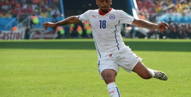 Футболист сборной Чили дисквалифицирован на 3 игры за провокацию Кавани