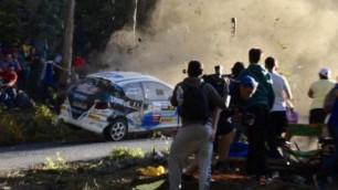 Гоночный автомобиль вылетел с трассы и врезался в зрителей на ралли Испании