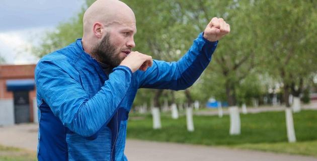 8 октября на ЧМ по боксу выступят Ералиев, Алимханулы и Левит