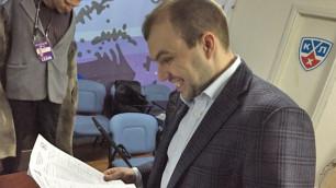 """Во время прямого эфира матча """"Барыс"""" - """"Кузня"""" был уволен комментатор Александр Олейник"""
