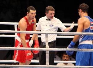 Ниязымбетов проиграл Расулову из Узбекистана в 1/4 финала ЧМ по боксу