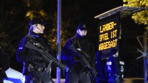 Футбольный матч Германия - Голландия в Ганновере  отменили из-за угрозы взрыва