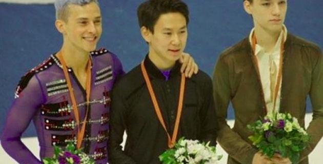 Старый гимн Казахстана прозвучал во время награждения Дениса Тена на турнире в Загребе