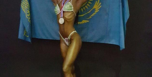 Казахстанка после декрета заняла второе место на чемпионате мира по бодибилдингу