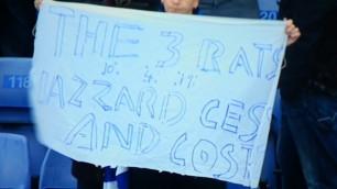 "Фанаты ""Челси"" вывесили баннер ""Азар, Фабрегас и Диего Коста - три крысы"""