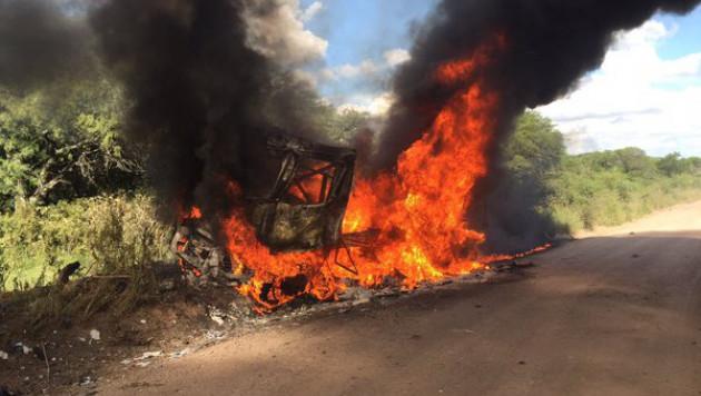 """На втором этапе """"Дакара"""" сгорел грузовик голландского гонщика"""