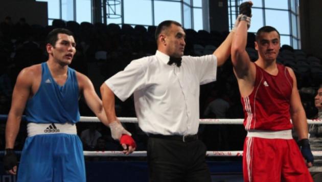 Казахстанскому боксеру Жану Кособуцкому грозят санкции от американской компании Fight Promotions