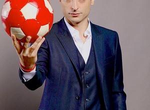 """Экс-форвард """"Манчестер Юнайтед"""" Бербатов взял интервью у самого себя"""