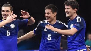Сборная Казахстана проигрывает Испании после первого тайма в полуфинале Евро