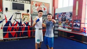 Казахстанский боксер Амир Тулеуов провел спарринг с Русланом Проводниковым