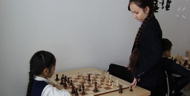 В Алматы открылся филиал шахматной академии Жансаи Абдумалик