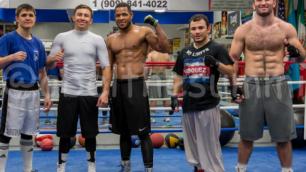 Абель Санчес уделяет всем одинаковое количество времени - российский боксер Пономарев