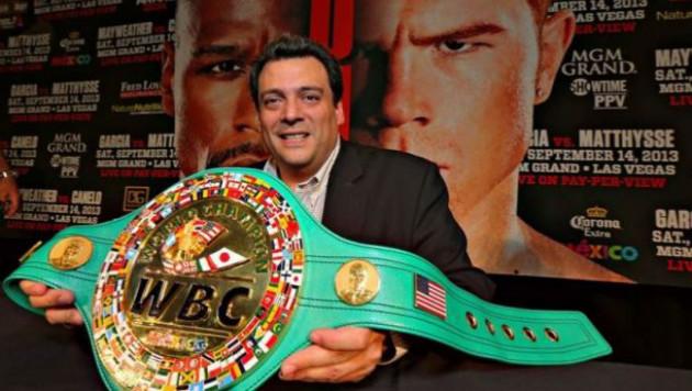 Если Альварес откажется от боя с Головкиным, он потеряет титул - президент WBC