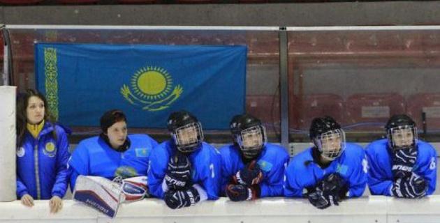 Женская сборная Казахстана по хоккею потерпела второе поражение на ЧМ в Италии