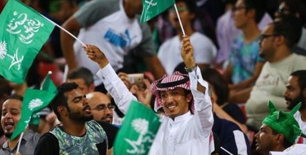 В Саудовской Аравии вратаря подстригли во время футбольного матча