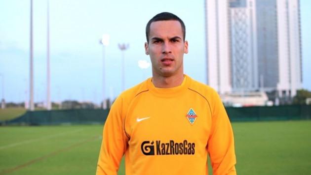 """Футболист """"Актобе"""" Сорокин ударил кулаком в живот Марковича, но наказания избежал"""
