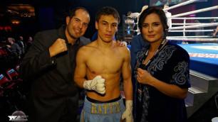 Батыр Джукембаев одержал победу техническим нокаутом на профи-ринге