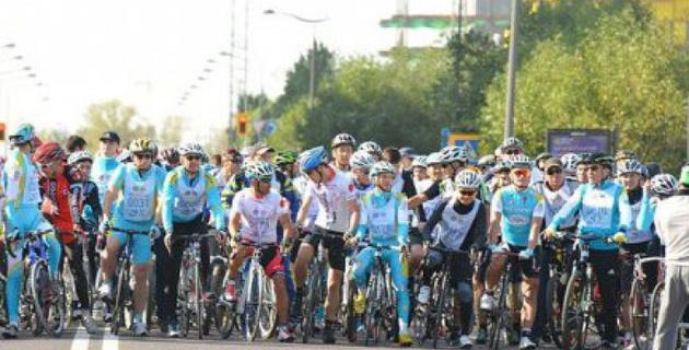 Карим Масимов пробежит 10 километров и проедет 15 на велосипеде в Астане