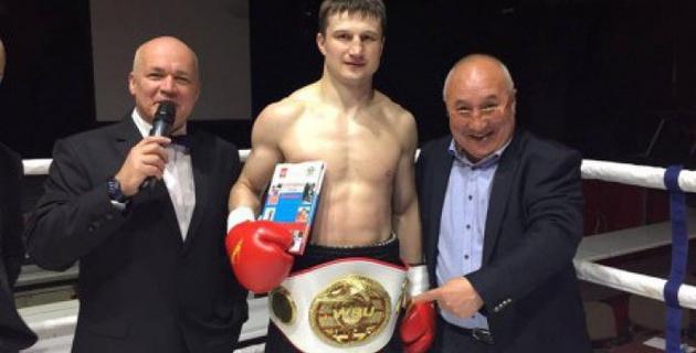 Казахстанский боксер Журавский выиграл чемпионский пояс по версии PABA