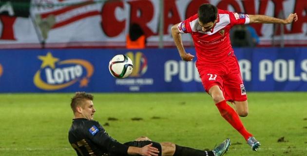 Сербский футболист забил гол-красавец в свои ворота