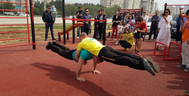 НОК открыл спортивные зоны street workout в Актобе