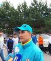 Серик Сапиев и спортсмены Караганды протащили самолет по взлетной полосе