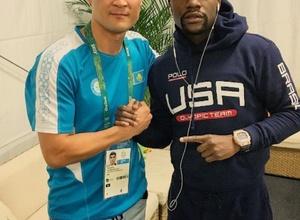 Серик Сапиев встретился с американцем Флойдом Мейвезером-младшим в Рио