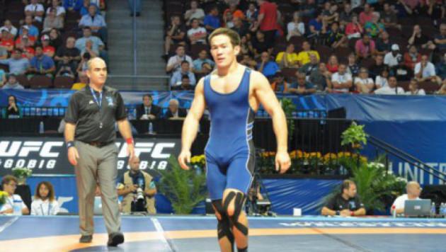 Казахстанский борец Картиков победил на старте Олимпиады в Рио