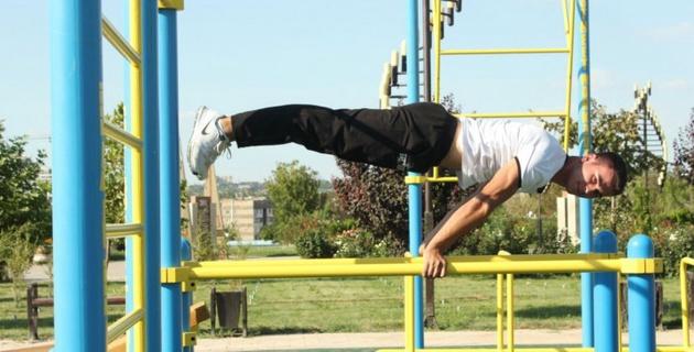НОК открыл спортивные зоны street workout в Шымкенте