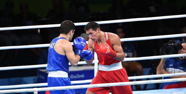 Жанибек Алимханулы проиграл бывшему казахстанскому боксеру на Олимпиаде-2016