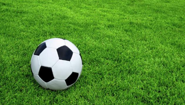 Юный спортсмен передал эстафету акиму Астаны во флешмобе в поддержку футбола