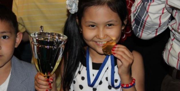 Титулованная 12-летняя казахстанская шахматистка будет выступать за Россию - СМИ
