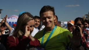 Участник астанинского марафона сделал предложение своей девушке на финише